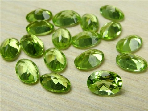 Peridot Faceted Oval ~ Various Sizes