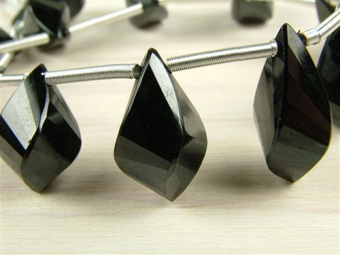 AA+ Black Spinel Faceted Twisted Teardrop Briolette ~ SINGLE