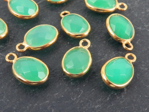 Gold Vermeil Chrysoprase Oval Charm 12mm