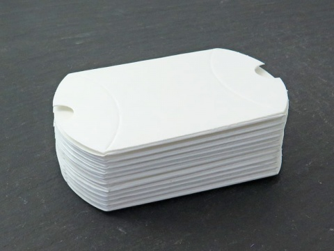 Pillow Box ~ White ~ 6cm x 4cm