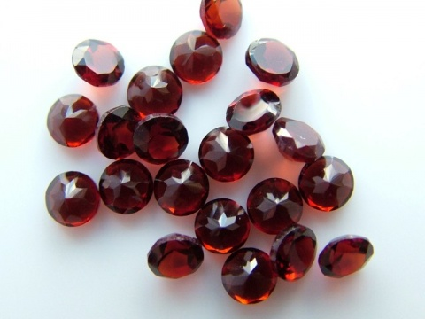 Garnet Faceted Round ~ Various Sizes