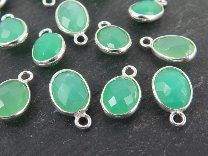 Sterling Silver Chrysoprase Oval Charm 12mm
